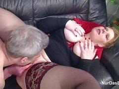 Vater fickt Stief-Tochter mit riesen Titten
