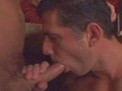 Uncut Cock Club de Sexo - la escena 1