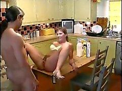 Spanisch Paar ficken und pissen in heißem Wassersport Aktion