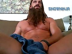 Hairy Verbal in commune - maggio 2015 jerk off
