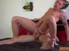 Muskel Homosexuell Oralsex mit abspritzen