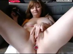 Squirting on home webcam 51 years old Lousie