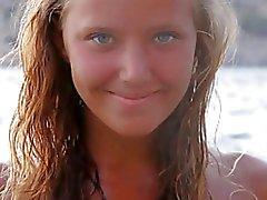 J15 ung naken poserar 5 - Blonde i strand-