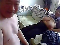 Viejos Pares chinos desnudamos y el Sexo en Tablero