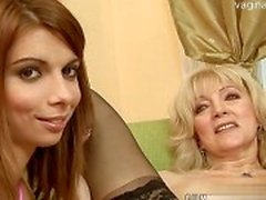 Nice housewife double penetration
