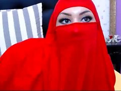 Muslim Slut Strips Naked From Her Hijab