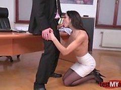 Брюнетка порнозвезда хардкор анальный с мимикой