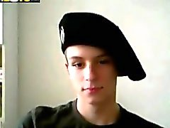 Twink Military masturba il suo Willie guardi in webcam