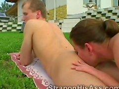 Hottie tongues her boyfriends filthy ass hole in her backyard