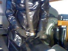 Webcam wank in rubber.