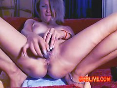 Milf Cunt Need Your Help To Turn-on OMBLIVE Vibe To Be WET