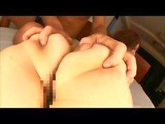 Babe jeune du Japon devient exhibe sa chatte poilue prise par derrière en de cette vidéo censurés