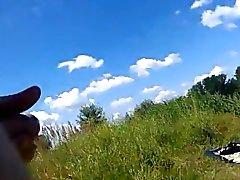 Dickflash - Jerking para uma O sunbather Topless .360p