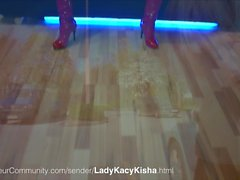LadyKacyKisha fistet ihren Sklaven Anal
