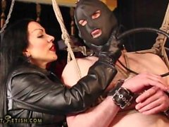 deri domina onu köle kamçı