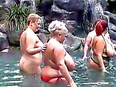 bbw bathing