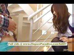 Miyu la Hoshino Cinese ragazza in uniforme della scuola strofina la figa bagnato