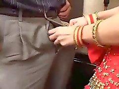 Mira индийская шлюха