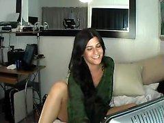Shyla Jennings striptease à la lingerie en dentelle