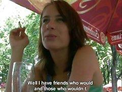 Heißer Tschechisch Girl bekommt Geld und gibt einen geilen geblasen