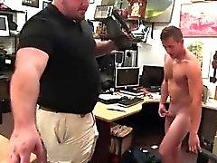 Hunky gays em shorts galerias e gay gangbangs galeria mov