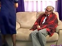 Uomo anziano bisogno di un po buono stroking