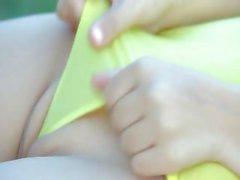 Incredible fairhair fingering clit