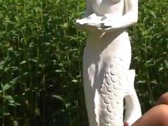 Garden pissing