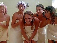 Porkys - Voyeur cena do chuveiro gloryhole (meninas solo)