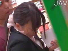 Chaud japonais Bébé de digitées l'en public