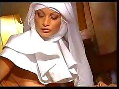 Грешная монахиня снится трах