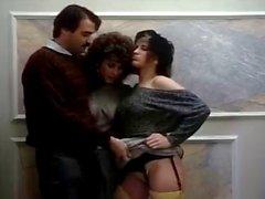 Barbara Desafio Ronnie Dickson Mike Horner em vagabundas de setenta pornografia fodido com pau de carne
