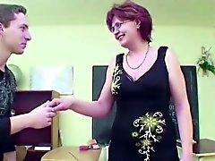 MILF Biologi Techer Show Boy Como engravidar com foda
