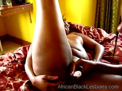 African hottie gets taped while fucking a chunky lezzie