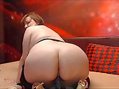 Mature bbw with BIG ASS rides dildo on webcam