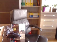 nina nei all'ufficio di Hiden a camme