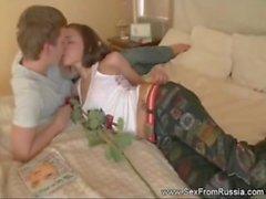 Russian Teen intensiivistä Rough Anal