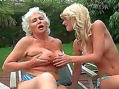 Grannies and Teenies