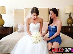 Hot MILF Diamond Foxx und Teen Braut bekommen ihre Cunts geschnallt