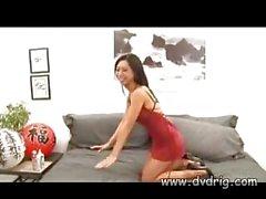 Азиатский Slut Тия Ling учит Гай ее пола Трюки Чем занимается во вылазим по Нему и заставляет его дамп Cum всему лицу