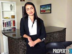 PropertySex Agent sexy Jennifer Jacobs accepte l'offre client