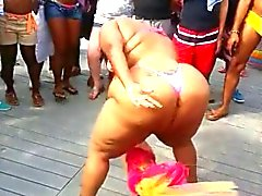 ebony bbw dancing