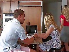 Söta massage från man horny blonde matte