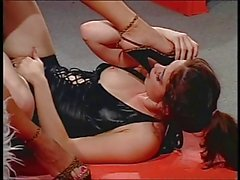 2 sexy chicks with foot fetish in action