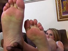 Blonde gets feet jizzed