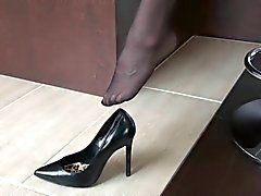 5inch black pumps with stockings