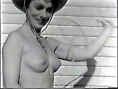 Vintage открытом воздухе Обнаженные MILF