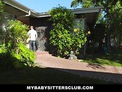 MyBabySittersClub - Teen Babysitter Obtém Tight Pussy fodido