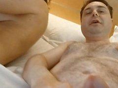 Video porno di Andrea Diprè con Sara Tommasi (pompino mestruazioni)