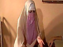 Hijabi Muslimin kotzen Sperma aus Sehr große 10 inch westlichen Penis